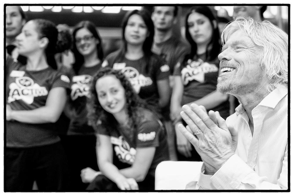 Richard Branson - presidente do grupo Virgin durante a abertura Virgin Active Health Clubs no Porto