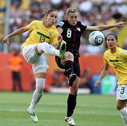 10.07.2011, Glückgas Stadion, Dresden,  GER, FIFA Women Worldcup 2011, Viertelfinale , Brasil (BRA) vs USA (USA)  im Bild Erika (BRA) gegen Amy Rodriguez (USA) .//  during the FIFA Women Worldcup 2011, Quarterfinal, Germany vs Japan  on 2011/07/10, Arena im Allerpark , Wolfsburg, Germany.  .EXPA Pictures © 2011, PhotoCredit: EXPA/ nph/  Hessland       ****** out of GER / CRO  / BEL ******