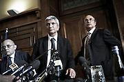 Lorenzo Nicastro, Nichi Vendola e Ippazio Stefàno prendono posto per la conferenza stampa.<br /> Christian Mantuano/OneShot