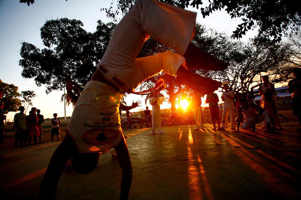 Pirapora_MG, Brasil...Capoeira ao ar livre em Pirapora...The capoeira in Pirapora...Foto: LEO DRUMOND / NITRO