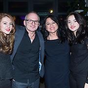 NLD/Amsterdam/20140227 - Boekpresentatie Jeroen van Inkel - Kort Sluiting , Jeroen van Inkel met partner Sandra en dochters Isabel en Teddy