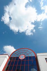 08.05.2013, Saebener Strasse, Muenchen, GER, 1. FBL, FC Bayern Muenchen, Training, im Bild Weissblauer Himmel ueber dem Trainingsgelaende an der Saebener Strasse // during a Trainingssession of the German Bundesliga Club FC Bayern Munich at the Saebener Strasse, Munich, Germany on 2013/05/08. EXPA Pictures © 2013, PhotoCredit: EXPA/ Eibner/ Wolfgang Stuetzle..***** ATTENTION - OUT OF GER *****
