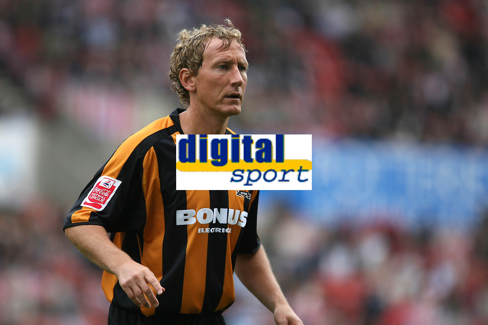 Photo: Pete Lorence.<br />Stoke City v Hull City. Coca Cola Championship. 21/04/2007.<br />Ray Parlour during the match.