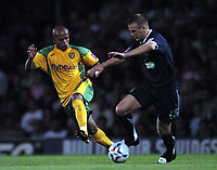 Photo: Olly Greenwood.<br />Southend United v Norwich City. Coca Cola Championship. 12/09/2006. Norwich's Robert Earnshaw and Southend's Adam Barrett