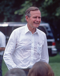 United States President George H.W. Bush hosts a Barbeque on the South Lawn of the White House in Washington, D.C. to commemorate the 20th anniversary of the Apollo 11 Moon landing on July 20, 1989.<br /> Credit: Ron Sachs / CNP /ABACAPRESS.COM