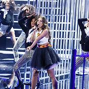 NLD/Amsterdam20160518 - 1e Liveshow Idols 5 2016, optreden van deelneemster Rowen Aida Ben Rabaa