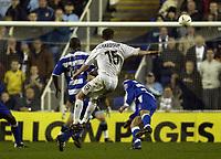 Fotball<br /> Foto: SBI/Digitalsport<br /> NORWAY ONLY<br /> <br /> Reading v Leeds United<br /> Coca Cola Championship.<br /> <br /> Frazer Richardson of Leeds puts a shot over the bar late in the game.