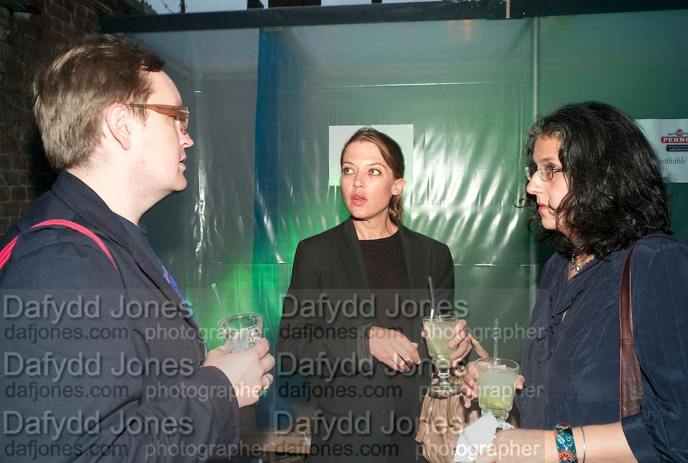 OSSIAN WARD; RACHEL KNEEBONE; JASMINE BHANJI;  , The Surreal House Barbican art gallery afterwards SURREAL DINNER at Hoxton hall. London. 9 June 2010. -DO NOT ARCHIVE-© Copyright Photograph by Dafydd Jones. 248 Clapham Rd. London SW9 0PZ. Tel 0207 820 0771. www.dafjones.com.