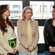 NLD/Amsterdam/20110315 - Boekpresentatie Esther Kreukniet, Quinty trustfull - van den Broek, Esther Kreukniet en Kristina Bozilovic