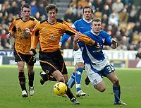 Photo: Ed Godden.<br />Wolverhampton Wanderers v Ipswich Town. Coca Cola Championship. 18/02/2006. <br />Wolves' Darren Anderton (L) holds off Ian Westlake.