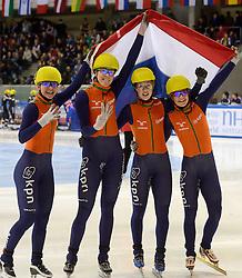 19-01-2014 SHORTTRACK: ISU EUROPEAN CHAMPIONSHIPS: DRESDEN<br /> In het EnergieVerbund Arena wordt het EK Shorttrack gehouden / Nederland Europees kampioen relay met /Sanne van Kerkhof (NED), Jorien ter Mors (NED), Lara van Ruijven (NED), Yara van Kerkhof (NED)<br /> ©2014-FotoHoogendoorn.nl