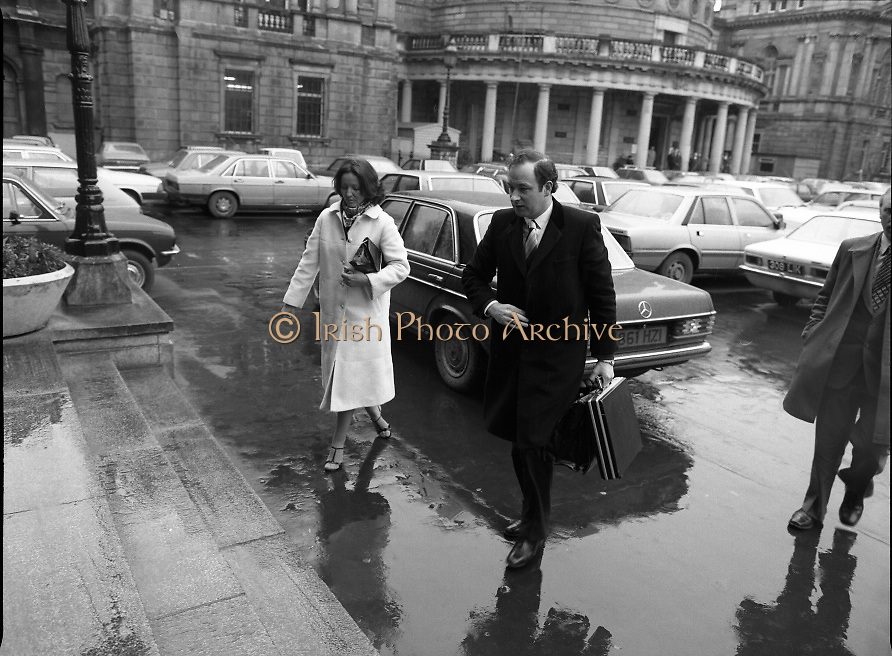 TDs arrive for the opening session of the 23rd Dáil...9-03-82.03-09-1982.9th March 1982..Pictured At Leinster House. ..Dublin North Central Fine Gael TD Michael Keating with wife Ann.