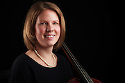USA, Oregon, Keizer, Cellist. MR