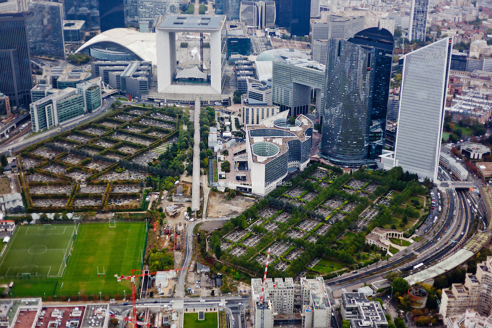 La Defense - Grand Arch and office building and construction to continue the axis between two preexisting cemeteries
