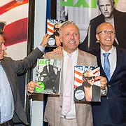 NLD/Amsterdam/20160616 - Gordon arriveert als gasthoofdredacteur bij presentatie van LXRY Magazine