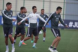 June 19, 2018 - EUM20180619DEP04.JPG.MOSCÚ, Rusia SoccerFutbol-México.- La Selección Mexicana de futbol realiza su entrenamiento matutino este martes 19 de junio de 2018 como parte de su preparación para el choque ante el combinado de Corea del Sur, duelo correspondiente a la actividad del Grupo F dentro del Mundial de Rusia 2018. Foto: Agencia EL UNIVERSALLuis CortésEVZ  (Credit Image: © El Universal via ZUMA Wire)