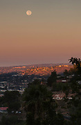 Moon setting over La Mesa over light from the rising sun
