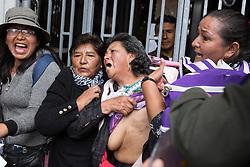 March 21, 2019 - La Paz, Bolívia - LA PAZ, LP - 21.03.2019: PROTEST IN LA PAZ IN BOLIVIA - Cancer patients protest in front of the Ministry of Health in the city of Laz Paz, Bolivia. (Credit Image: © Gaston Brito/Fotoarena via ZUMA Press)