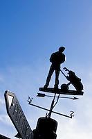 WILNIS - Windwijzer met silouet van golfer. Golfbaan Golfpark Wilnis. COPYRIGHT KOEN SUYK