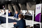 UTRECHT, 09-02-2021 ,Vaccinatielocatie Expo Houten<br /> <br /> Koning Willem Alexander tijdens een werkbezoek in het kader van het vaccinatieprogramma COVID-19. De Koning bezoekt achtereenvolgens de XL-vaccinatielocatie in Houten en het Coronabedrijf in Rijnsweerd van de GGD regio Utrecht en het RIVM in Bilthoven.<br /> <br /> King Willem Alexander during a working visit as part of the COVID-19 vaccination program. De Koning will successively visit the XL vaccination location in Houten and the Corona company in Rijnsweerd of the GGD region of Utrecht and the RIVM in Bilthoven. <br /> <br /> Op de foto / On the photo: Koning bezoekt Coronabedrijf GGD regio Utrecht