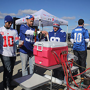 Fans drinking beer before the New York Giants V Pittsburgh Steelers NFL American Football match at MetLife Stadium, East Rutherford, NJ, USA. 4th November 2012. Photo Tim Clayton