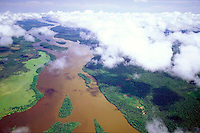 Vista aerea del rio Orinoco, Amazonas, Venezuela.
