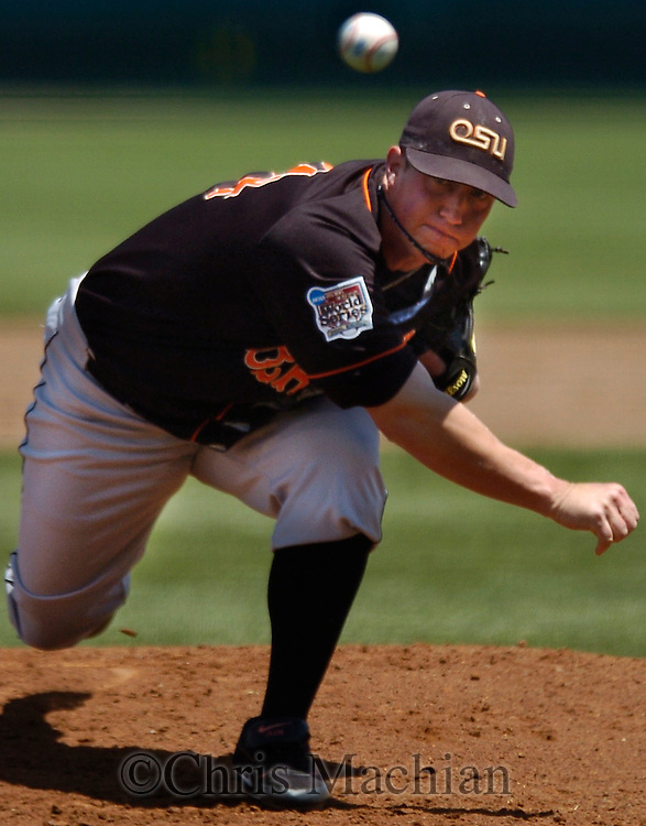 06/19/2006 Oregon State starting pitcher Jonah Nickerson during game seven of the College World Series in Omaha Nebraska Monday afternoon..(photo by Chris Machian/Prairie Pixel Group)