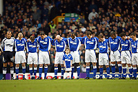 Fotball: Everton players stand for a minuite's silence in memory of Princess Margret who died yesterday before the Premiership match against Arsenal at Goodison Park, Liverpool. Arsenal won 1-0.<br /><br />Sunday February 10th 2002<br /><br />Foto: David Rawcliffe/Digitalsport