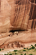 White House cliff dwellings built by ancient Puebloan people about 1000 years ago.Canyon de Chelly, Arizona..
