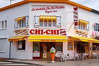 France, Vendée (85), Saint-Jean-de-Monts, boutique de chi-chi de Elisabeth et Christophe Plessis // France, Vendée, Saint-Jean-de-Monts
