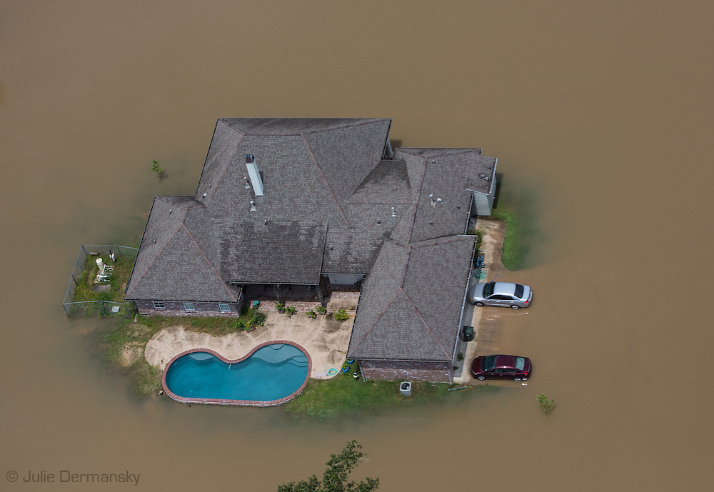 Food waters in French Settlement  Louisiana started rising in the days after the rain event.