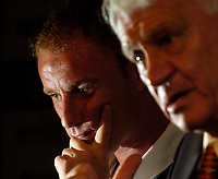 Photo. Jed Wee.<br /> Newcastle United Press Conference, 30/07/2004.<br /> Newcastle's new signing Nicky Butt (L) with manager Sir Bobby Robson.