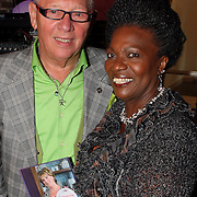 NLD/Naarden/20081006 - Boekpresentatie Catherine & Friends, Gerda Havertong en partner Roelof Lenten