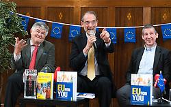 "25.03.2019, Vienna Business School, Wien, AUT, Präsentation des Schulbuchs ""EU for you, im Bild Otmar Lahodynsky (Profil), Bildungsminister Heinz Faßmann (ÖVP) und Wolfgang Böhm (die Presse) // during an media briefing with presentation of the shool book ""EU for you"" in Vienna, Austria on 2019/03/25, EXPA Pictures © 2019, PhotoCredit: EXPA/ Michael Gruber"