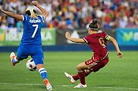 Finland's Annika kukkonen and Spain's Veronica Boquete during the match of  European Women's Championship 2017 at Leganes, between Spain and Finland. September 20, 2016. (ALTERPHOTOS/Rodrigo Jimenez)