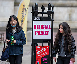 © Licensed to London News Pictures. 04/03/2020. London, UK. A student at UCL wears a mask as medical chief warns spread of Coronavirus is highly likely and wearing masks will not stop infections . Photo credit: Alex Lentati/LNP