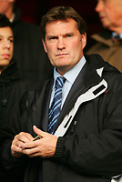GLENN HODDLE IS BACK-Coca-Cola-Footbal League Championship-Watford v Wolves-11-12-04.pic by Colorsport/ Kieran Galvin