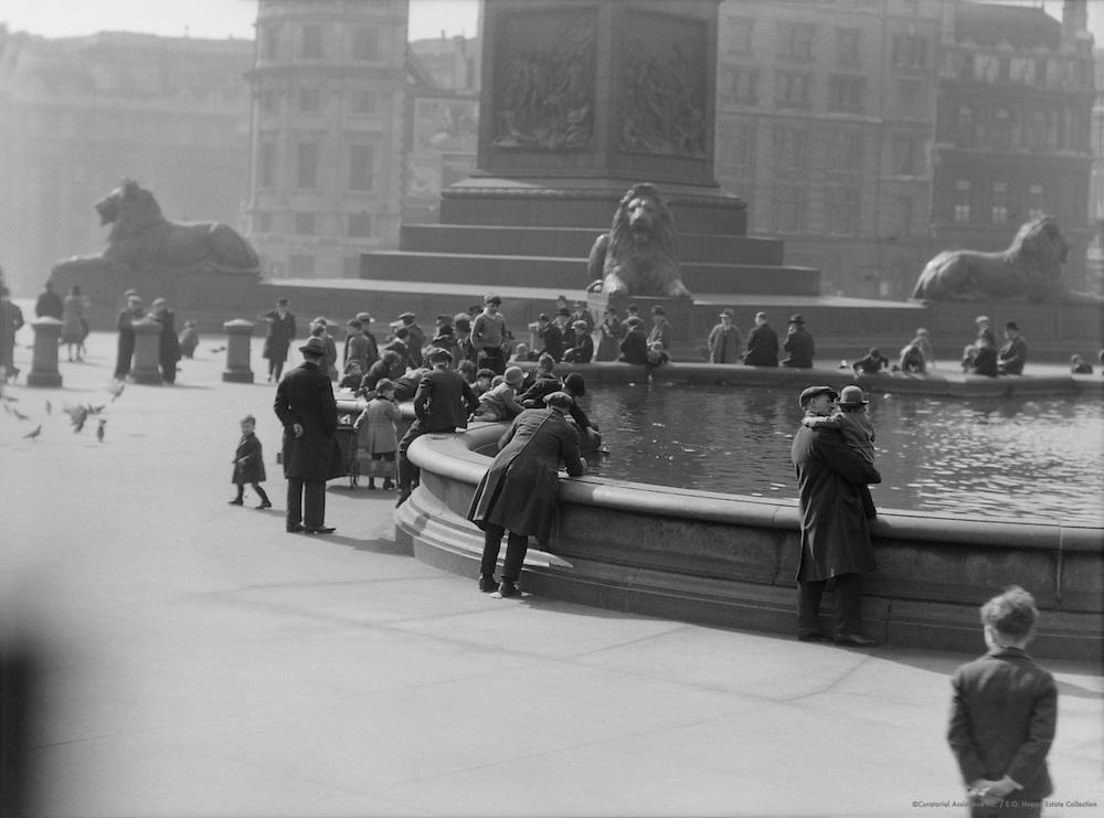 Trafalgar Square Lions, London, 1929