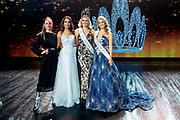 HILVERSUM, 31-08-2020, Studio 21<br /> <br /> Miss Nederland 2020 in Studio 21, Hilversum<br /> <br /> Op de foto: Miss Nederland 2020 Denise Speelman met Sharon Pieksma , Zoey Ivory en Rahima Dirkse