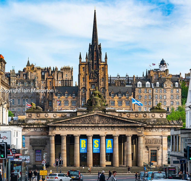 View of busy streets with Royal Scottish Academy and Old Town to rear in Edinburgh, Scotland, UK