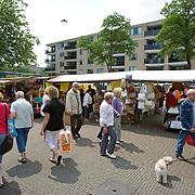 Nederland Rotterdam Deelgemeente prins alexander 06-06-2008 20080606 Foto: David Rozing ..Lageland, wijkmarkt, straatbeeld .market.Deelgemeente Prins Alexander is het op 1 na diepst / laag gelegen gebied in Nederland, het laagste punt in de deelgemeent is  6,67 meter beneden NAP, in laagland. Prins Alexander, second deepest area in the Netherlands, deepest point in this area, below sealevel: - 6,67m NAP...Foto: David Rozing