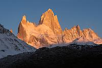 Fitz Roy apenglow, Los Glaciares National Park, Argentina