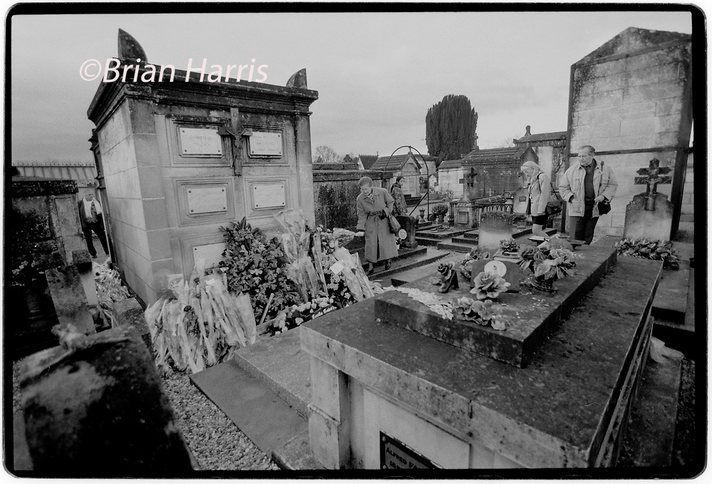 Francois Mitterrand Funeral in his home town of Jarnac in the Charente in south western France 11 January 1996<br />The Mitterrand family plot in Jarnac