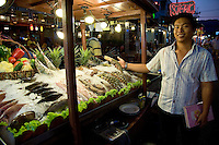 Hua Hin Night Market - Apart from its role as a convenient beach town to Bangkok, Hua Hin is a favourite spot for seafood and seaside dining along the wharf.