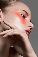 beauty bellezza circhetta make up trucco model color