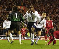 Fotball - EM-kvalifisering 2004<br /> 02.04.2003<br /> England v Tyrkia 2-0<br /> Engelsk jubel etter scoring<br /> Paul Scholes - Darius Vassell<br /> Foto: Digitalsport