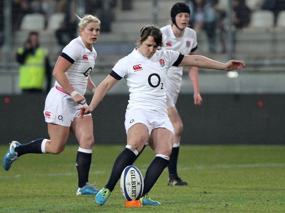 Katy McLean takes a penalty kick. France Women v England Women in the Six Nations 2014 at Stade des Alpes, Grenoble, France on Saturday 1st February 2014, kick off 2055