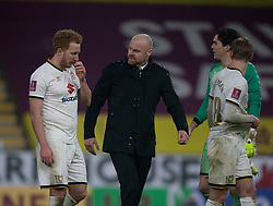 Burnley manager Sean Dyche (C) at the final whistle - Mandatory by-line: Jack Phillips/JMP - 09/01/2021 - FOOTBALL - Turf Moor - Burnley, England - Burnley v Milton Keynes Dons - English FA Cup