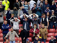 Photo: Jed Wee.<br />Sunderland v West Bromwich Albion. The Barclays Premiership. 17/09/2005.<br /><br />West Brom fans are made to wait for their late equaliser as a chance is missed.