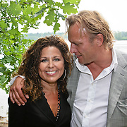 NLD/Westerhoven/20080531 - TROS muziekfeest op het plein, Maribelle en partner Nicolaas Streefkerk